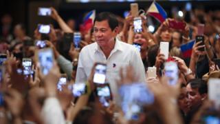 Tổng thống Philippines Rodrigo Duterte gặp cộng đồng Philippines ở Kuala Lumpur, Malaysia, ngày 9/11