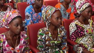 'Yan matan Chibok sun ci kwalliya.
