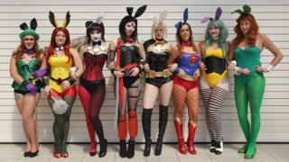 Фанатки в костюмах любимых персонажей на фестивале MCM London Comic Con, прошедшем на минувших выходных