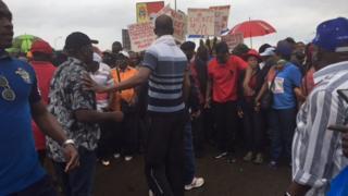 La marche est organisée pour demander plus de démocratie en Côte d'Ivoire