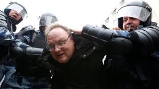 محتجون اعتقلوا في موسكو وسان بطرسبرغ