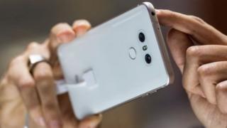 Смартфони вразливі, але це не значить, що ними не треба користуватись
