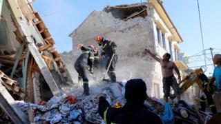Vrisa en Lesbos después del terremoto (12 de junio)