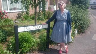 Kim Wallace in Isis Close, Abingdon