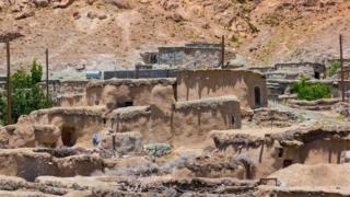 قرية ماخونيك الإيرانية