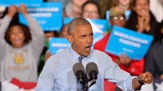 Barack Obama kwenye kampeni kwa niaba ya Hillary Clinton eneo la Greensboro, North Carolina. 11 Oct 2016