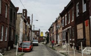 Casas abandonadas y tapeadas
