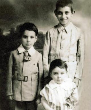Los tres hermanos de Toyah.