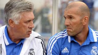 Carlo Ancelotti na Zinedine Zidane