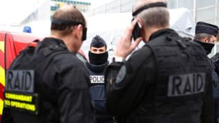 Поліція перевірила аеропорт на наявність вибухових пристроїв