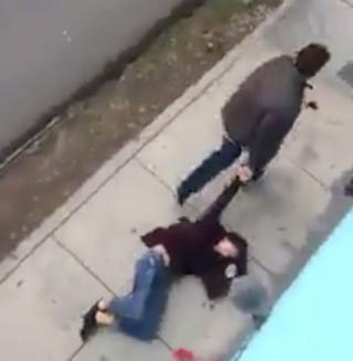 Escena del video de la agresión que sufrió Micaela de Osma.
