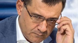 """นายวาเลอรี เซเลซเนฟ สมาชิกสภาดูมาของรัสเซีย บอกว่าลูกชายของเขาถูก """"ลักพาตัว"""""""