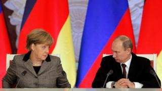 Меркель и Путин, фото 2012 года