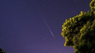 英國英仙座流星雨2017年8月13日。