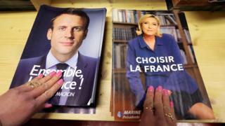 Propaganda electoral de Emmanuel Macron y Marine Le Pen.