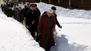 Afghan President Ashraf Ghani visits the Bargmatal district of Nuristan (07 February 2017)