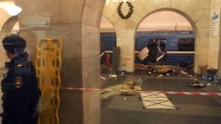 Saldırı sonrası trenin Tekhnologichesky Institut metro durağında çekilen fotoğrafı