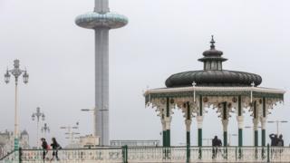 Imagen de la torre i360 en Brighton, Reino Unido