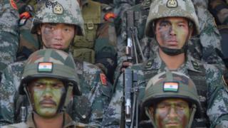भारत और चीन के सैनिक संयुक्त युद्धाभ्यास में