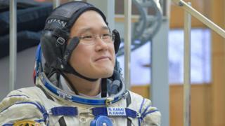 นายโนะริชิเกะ คะนะอิ นักบินอวกาศชาวญี่ปุ่น