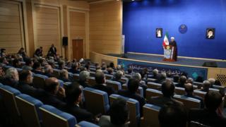 حسن روحانی در جمع تعدادی از مسئولان دولتی