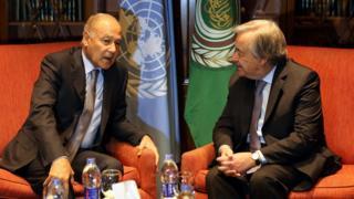 الأمين العام للجامعة العربية أحمد أبو الغيط خلال لقائه الأمين العام للأمم المتحدة أنطونيو غوتيريش في القاهرة يوم 16 فبراير 2017