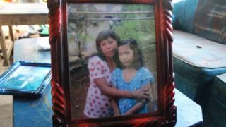 Picture of Yuyun and her mother
