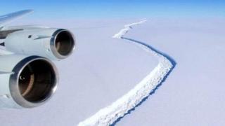 拉森冰架的大裂縫
