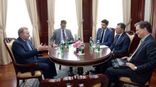 Кучма зустрівся зі спеціальним представником США з питань Мінських угод