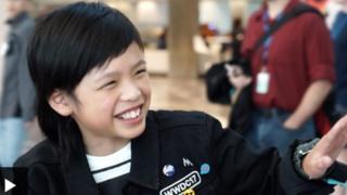 Cet écolier en primaire a en effet décidé à l'âge de six ans d'apprendre le code parce qu'il s'ennuyait à l'école.
