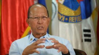 菲律賓國防部長德芬·洛倫扎納(Delfin Lorenzana)2月7日接受法新社訪問