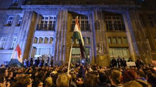 Budapeşte'de göstericiler, 9 Nisan 2017