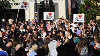 Mancherster saldırıs sonrası yürüyüş