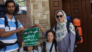در ادامه سفر آنها به خانه موسیقی در تهران سر زدند
