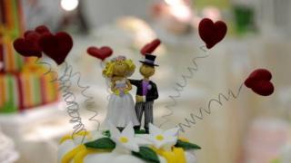 Wedding cake Mr and Mrs