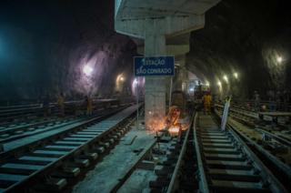 Construction of the Sao Conrado metro station