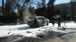 Автомобиль взорвался утром в жилом районе Мариуполя