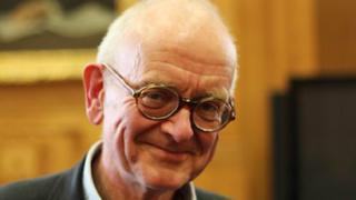 El renombrado neurocirujano británico Henry Marsh.