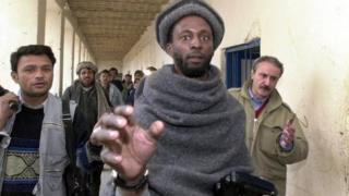 صورة لجمال الدين الحارث البريطاني في 2011 الانتحاري الذي فجر نفسه في العراق وهو يقاتل في صفوف تنظيم الدولة الإسلامية