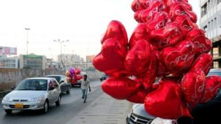 Пакистанда сот «Валентин күнүн» белгилөөгө тыюу салды