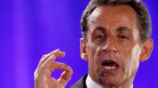 Cumhurbaşkanı adayı Nicolas Sarkozy, kendisini 'Fransız değerlerinin savunucu' olarak tanımladı.