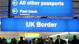 تراجع أعداد المهاجرين لبريطانيا بعد استفتاء خروجها من الاتحاد الأوروبي