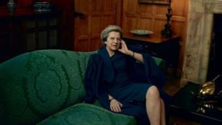 英国首相特里莎·梅为《时尚》杂志美国版拍摄了一系列照片。