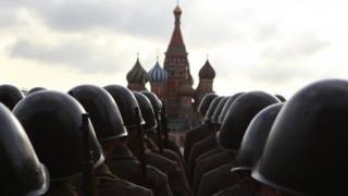 Военные на Красной площади