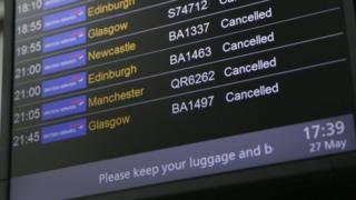 Hãng hàng không này nói họ sẽ bồi thường chi phí hợp lý cho các hành khách và hỗ trợ hành khách đặt lại chỗ.