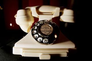 Телефон из бакелита