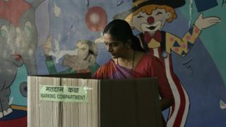 निवडणुका, गुजरात, हिमाचल प्रदेश