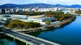 Мемориальный парк мира занимает территорию более 12 гектаров в центре Хиросимы