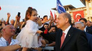 Erdoğan kız çocuğu seviyor