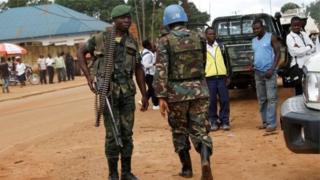 Wanajeshi wa Umoja wa Mataifa pamoja na wa DRC